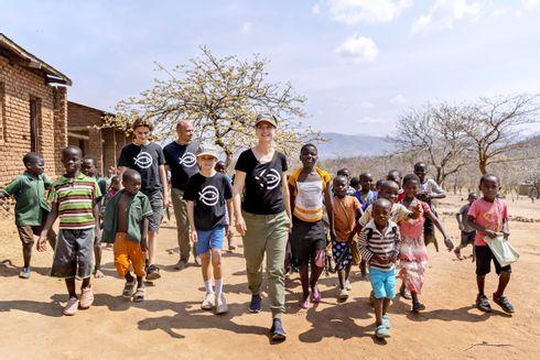 Annette Heick i Malawi med sin familie - Jesper Vollmer og deres to sønner