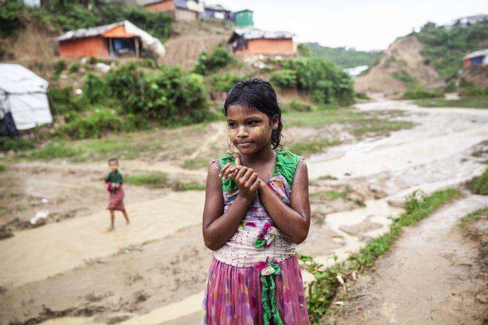 Pige som er flygtning i Cox's Bazar