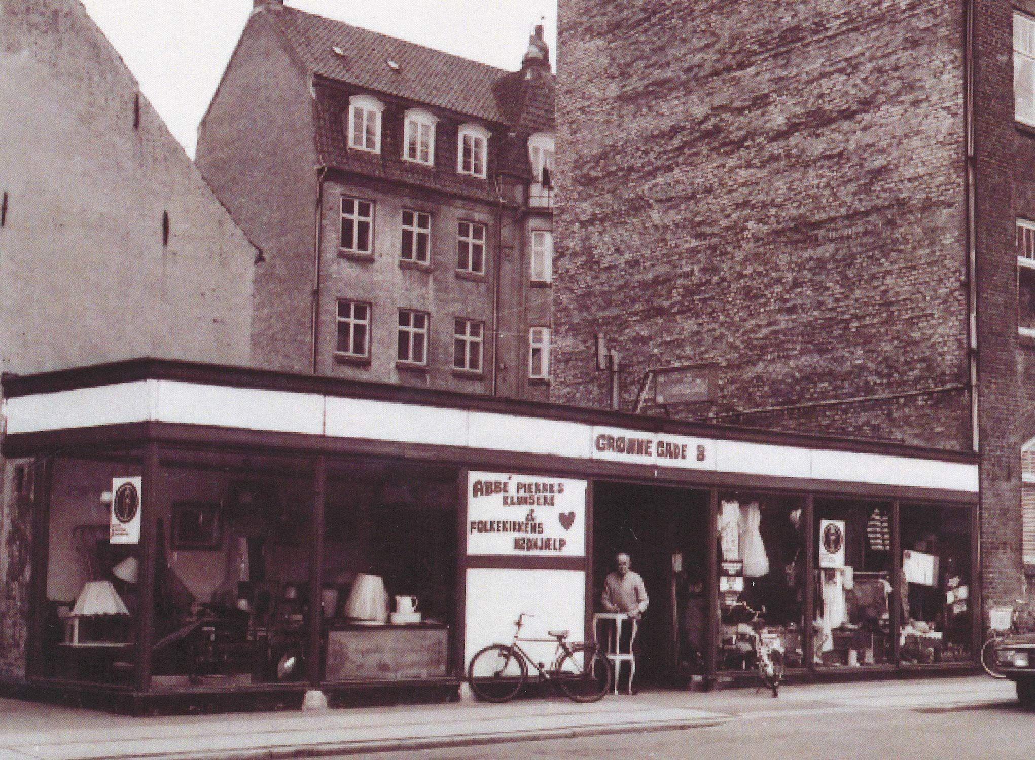 Foto af genbrugsbutik i Grønnegade brugt i artikel om Danmarks første genbrugsbutik i Aarhus