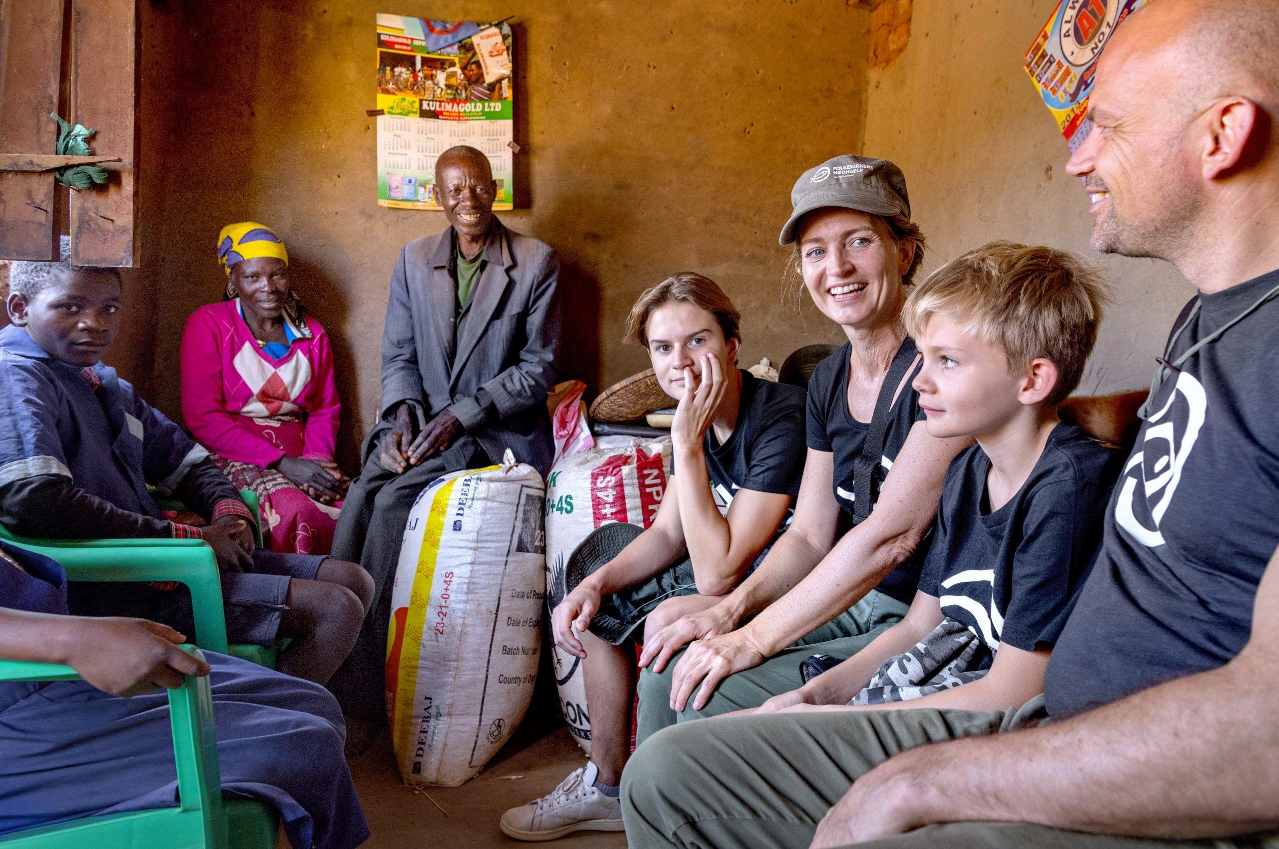 Annette Heick med mand og sønner i Malawi